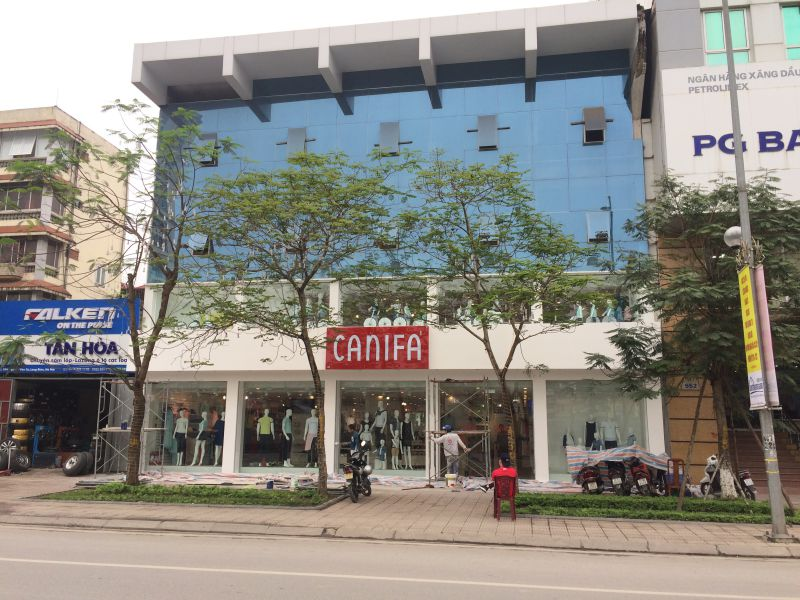 Thi công biển logo cửa hàng thời trang Canifa Nguyễn Văn Cừ, Long Biên
