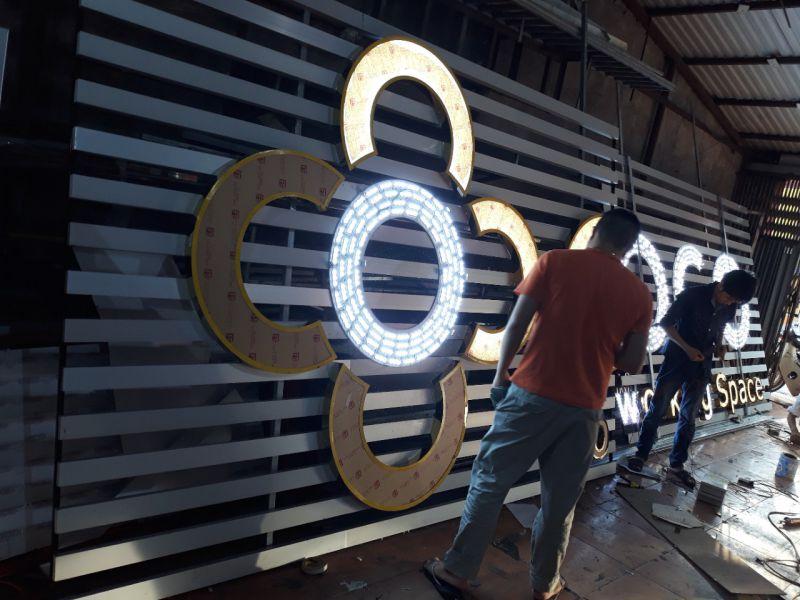 Thi công biển đèn LED CoGo Coworking tại Thái Hà, Hà Nội