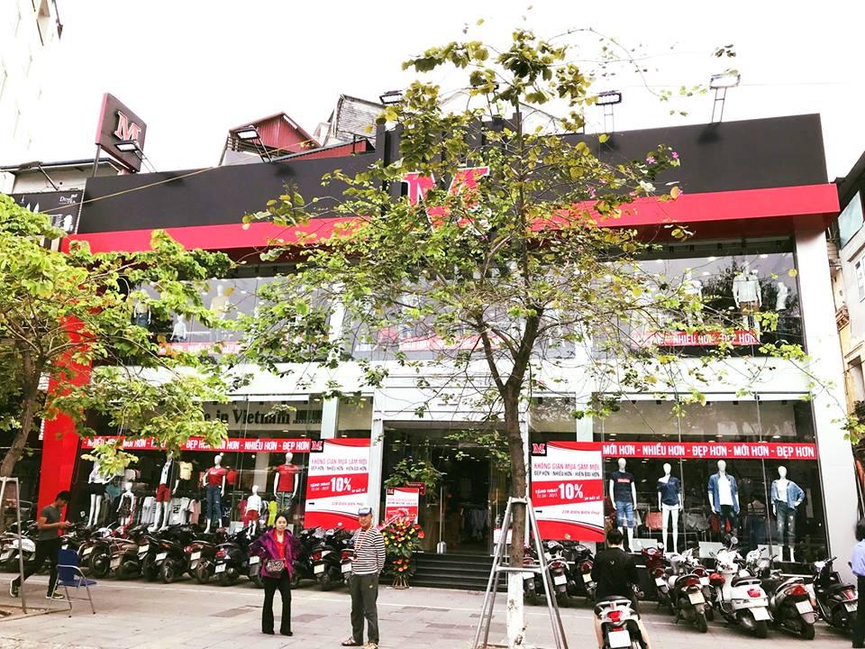 Toàn cảnh cửa hàng M2 nhìn từ ban ngày