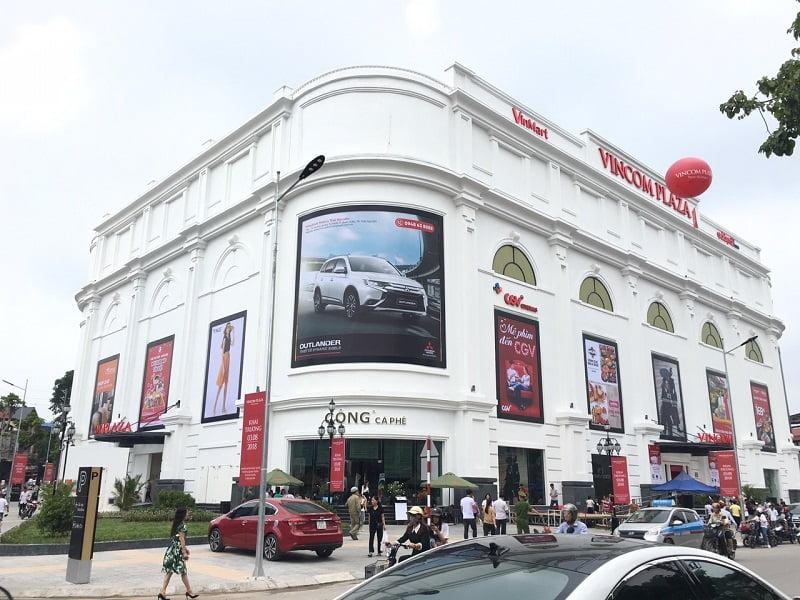 Thi công bộ chữ trong và ngoài tòa nhà Vincom Center Thái Nguyên